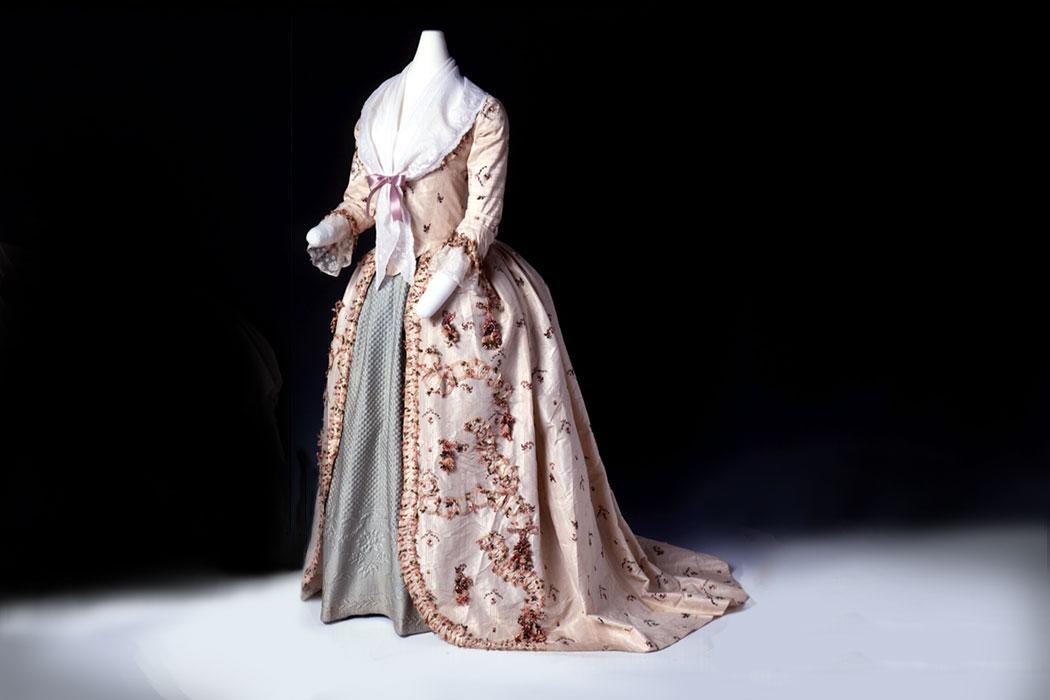 PortCons1b_Birmingham-18c-Dress
